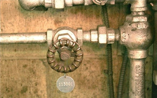 valve tag on pipe